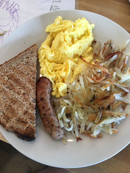 Kid's breakfast plate, #foodbabies-approved. Photo by foodbitch.